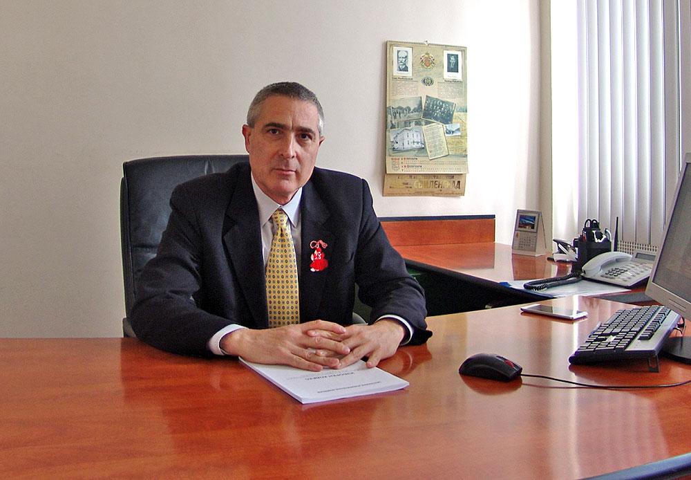 Росен Кузев