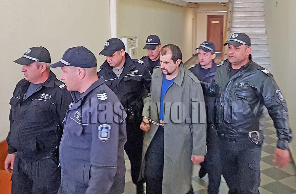 Обвиняват легионера Пачелиев в убийство на медицински специалист, издирват хладното оръжие