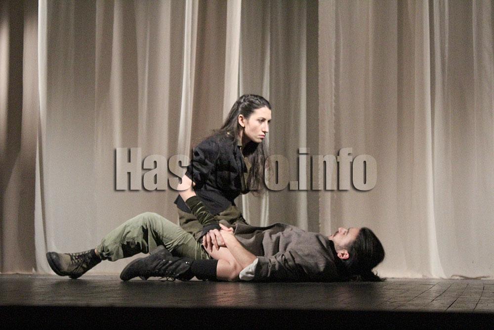 Невъзможна любов сред хаос и революции на сцената на хасковския театър